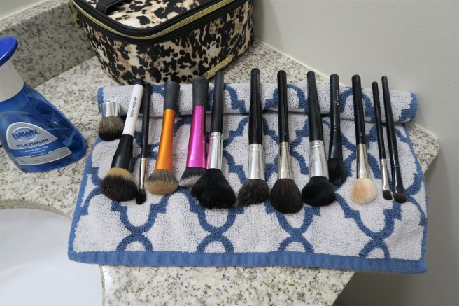 8 Brushes with dirty handles
